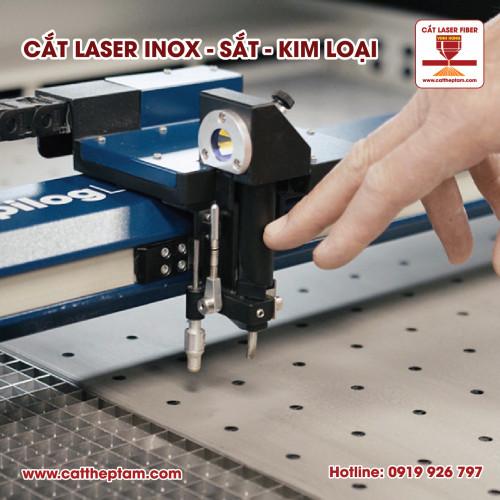 Nên chọn gia công cắt Laser Fiber hay cắt Laser CO2