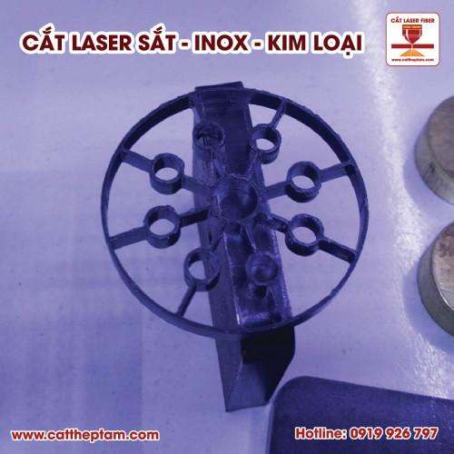 Cắt Laser Vật liệu dày giá rẻ, giao hàng nhanh
